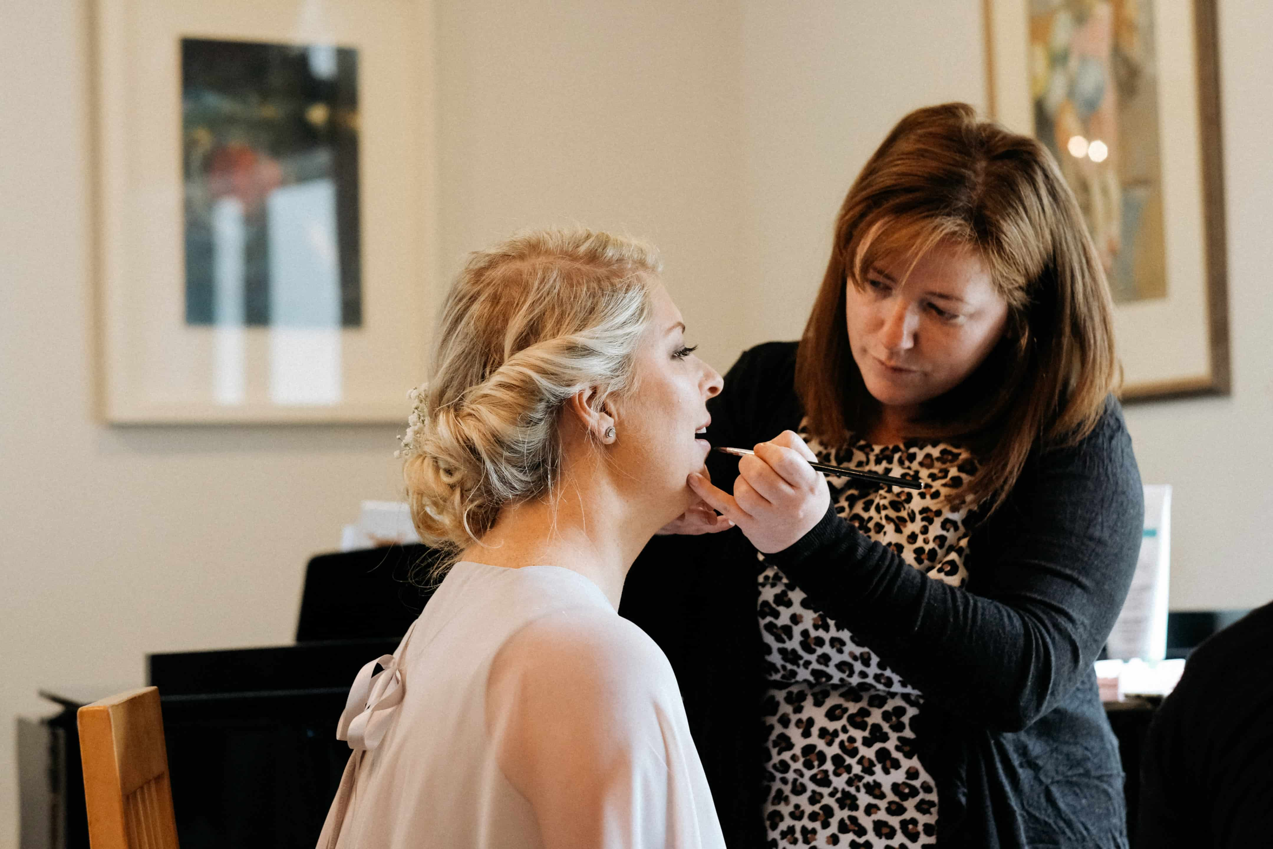 Brides house makeup